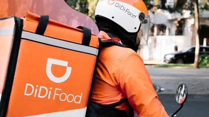 DiDi announced the creation of a USD 10,000,000 fund for its driving and delivery partners who become infected with COVID-19 (Photo: Facebook Didi Food)
