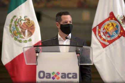 El gobernador de Oaxaca solicitó formalmente la declaratoria de emergencia para su estado (Foto: Twitter @alejandromurat)