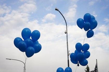 También se colocaron varios globos azules en las inmediaciones del Congreso