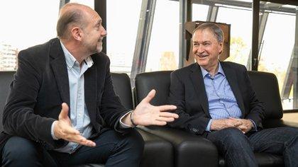 Los gobernadores de Santa Fe, Omar Perotti, y de Córdoba, Juan Schiaretti. Ambos apoyan la suspensión de las PASO