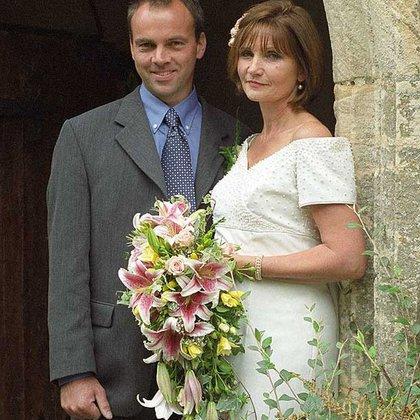 Adrian Prout y Kate el día de su boda