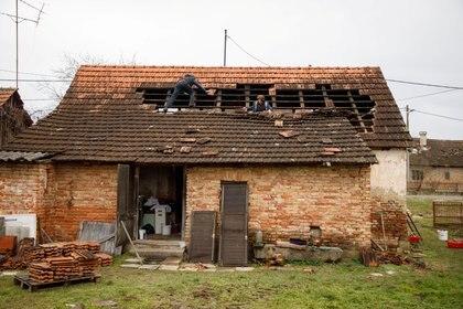 El movimiento telúrico del lunes causó daños materiales en zonas rurales (Reuters)