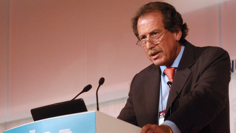 Brito en el Coloquio de IDEA de 2005, cuando era presidente de la Asociación de Bancos Argentinos