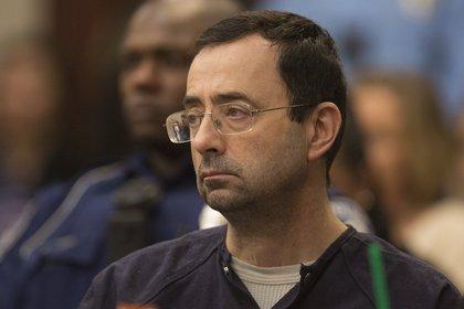 Larry Nassar pasará el resto de su vida en la cárcel por abusos a deportistas en Estados Unidos  (EFE)