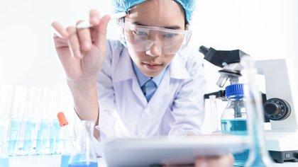 """El listado presentado por ANMAT refiere a los ensayos clínicos presentados bajo disposición """"6677/10"""" y autorizados para realizar pruebas clínicas o ensayos en la Argentina (Shutterstock)"""