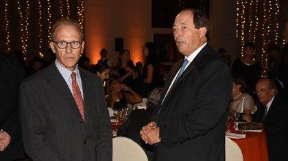 El juez de la Corte Suprema de Justicia, Carlos Rosenkrantz y el ex senador Ernesto Sanz. Los programas de Cimientos se implementan en la Argentina y son replicados en alianza con otras organizaciones en Uruguay y Colombia
