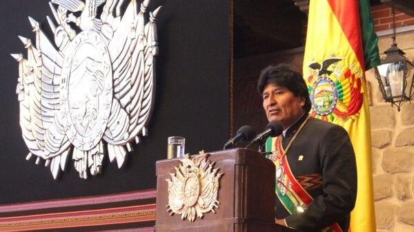 El 6 de agosto pasado, la última vez que Evo Morales vistió la banda y la medalla presidencial