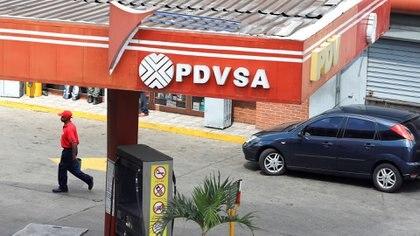 Una estación de servicio de PDVSA (Reuters)