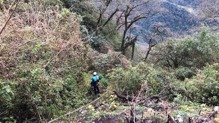 El precipicio en la frontera entre Catamarca y Tucumán donde fue encontrado el cuerpo sin vida de Espinoza (Gentileza PrimeraFuente.com.ar)