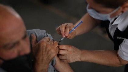 Murió un adulto mayor en Oaxaca luego de recibir la vacuna CanSino