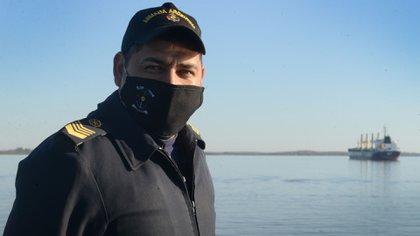 El suboficial Osmar Durán, es santafesino, tiene 35 años y supo su destino la primera vez que vio un buque de la Armada. Foto: Fernando Calzada.