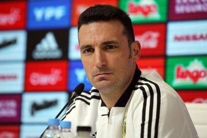 Lionel Scaloni, entrenador de la selección argentina (EFE/Carlota Ciudad/Archivo)