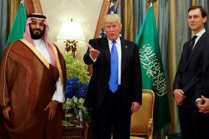 Trump con el príncipe heredero saudí Mohammed bin Salman.  Foto: REUTERS / Jonathan Ernst