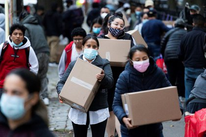 Funcionarios de salud estadounidenses dicen que diariamente se registran 200.000 casos en ese país (Foto: EFE / Justin Lane / Archivo)