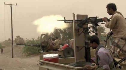 Los rebeldes hutíes dominan la zona occidental de Yemen y resisten la avanzada de la coalición árabe, que busca expulsarlos de la costa del mar Rojo. Foto: AFP.