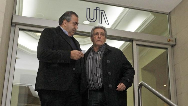 Los cotitulares de la CGT, Héctor Daer y Carlos Acuña, tras una reunión en la UIA