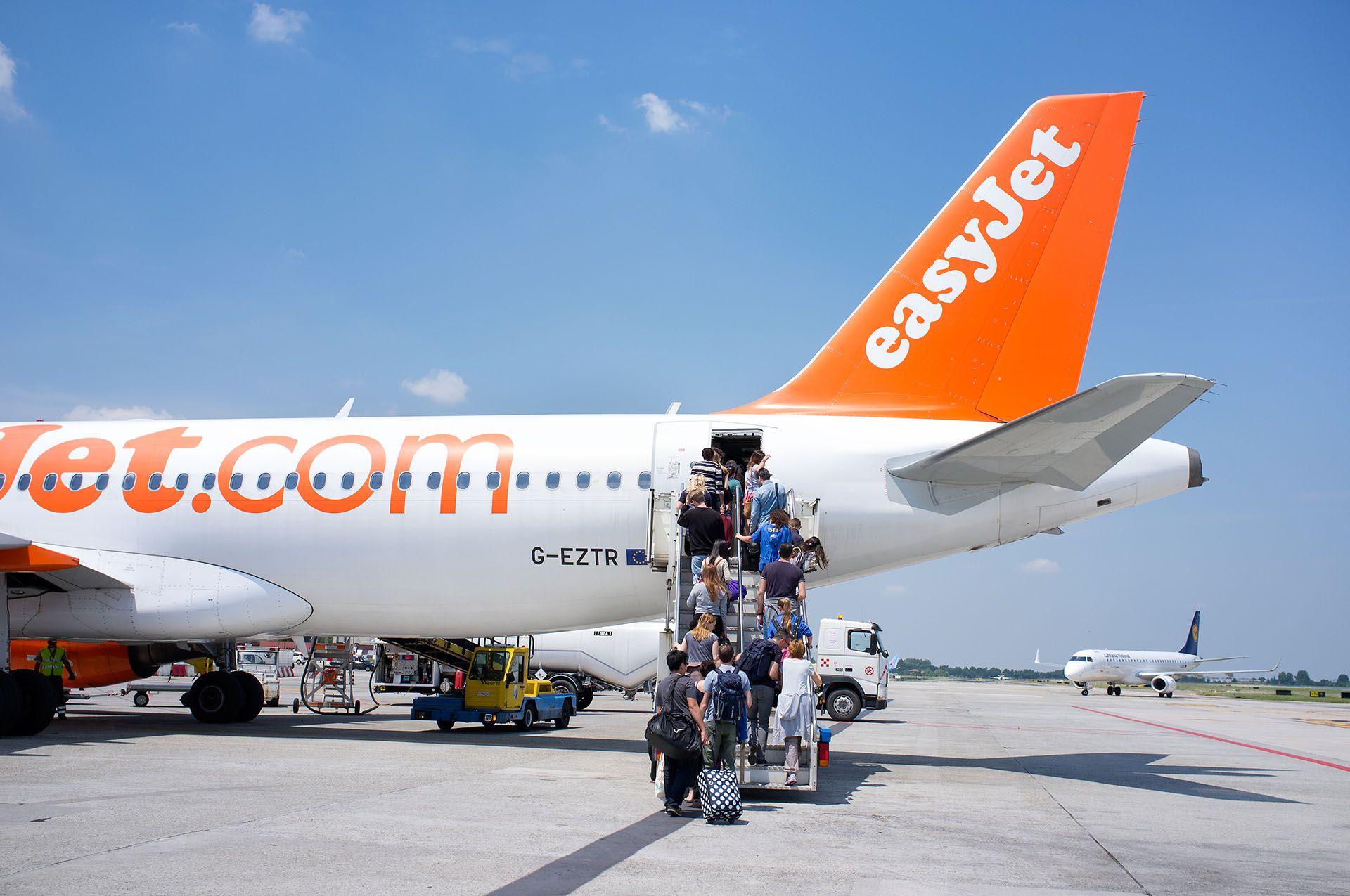 Fundada en 1995 y con sede en Londres, easyJet opera en 830 rutas por toda Europa, pero también tiene numerosos vuelos al norte de África (Shutterstock)