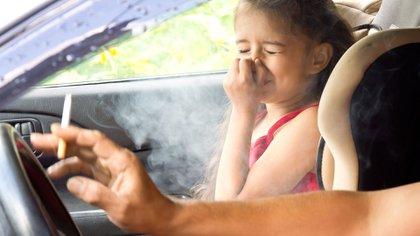 El riesgo cardiovascular es igual para fumadores pasivos y fumadores ocasionales (Shutterstock)