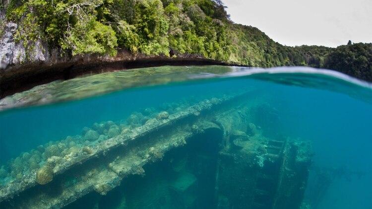 """En Palaos aún existen explosivos, por lo que Exteriores aconseja """"tener cuidado a la hora de bucear y explorar cuevas"""" (Shutterstock)"""