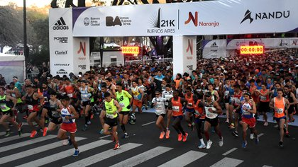 Miles de corredores coparán las calles de la ciudad (Nicolás Stulberg)