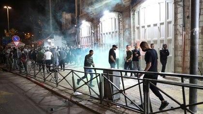 Al menos 169 heridos en enfrentamientos entre palestinos y la policía israelí en Jerusalén