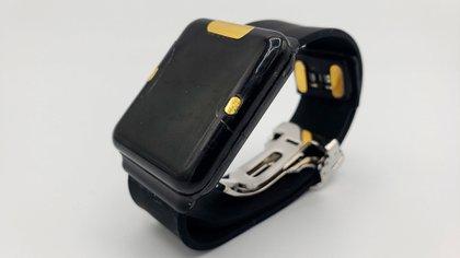 La tecnología de detección patentada por la compañía permite que el sensor de monitoreo mida con precisión la glucosa en el torrente sanguíneo de una persona a través de la piel