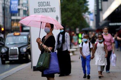 El Reino Unido impone la cuarentena a viajeros procedentes de Francia y Holanda. EFE/EPA/WILL OLIVER