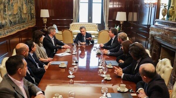"""El presidente Mauricio Macri y los funcionarios de su """"equipo compacto"""" de Gabinete"""