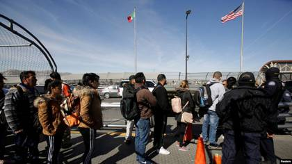 Migrant applications are paralyzed by pandemic