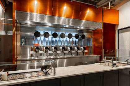 """Restaurante """"Spyce"""" con los robots de cocina (Cortesía de Spyce)"""
