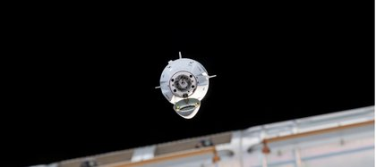 Cada satélite pesa 260 kg, son planos y cuentan con cuatro potentes antenas para las transmisiones por internet.
