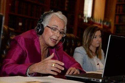 Olga Sánchez Cordero, repartió el fármaco con tres gobernadores que dieron positivo a la prueba de coronavirus (Foto: Twitter@M_OlgaSCordero)