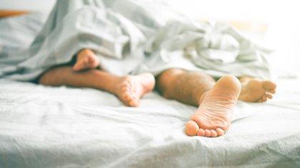 Las nuevas incorporaciones más comunes incluyeron probar nuevas posiciones sexuales, sextear, enviar fotos de desnudos, compartir fantasías sexuales, mirar pornografía, buscar información relacionada con el sexo en línea, tener cibersexo, filmarse masturbándose y actuar sobre fantasías sexuales (Shutterstock)