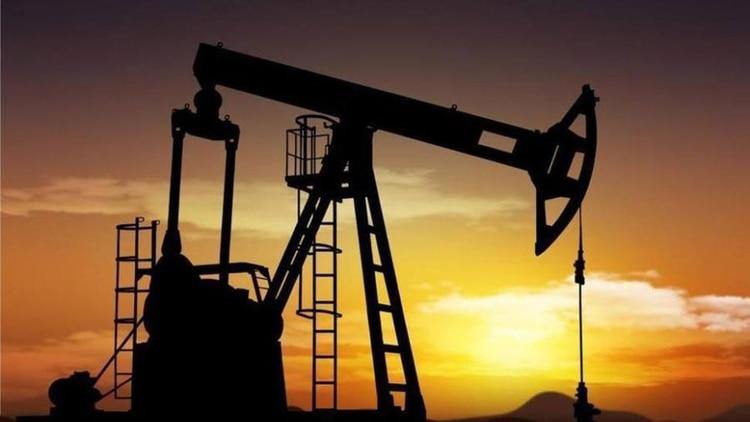 Se disparó el precio del petróleotras el ataque a la infraestructura de Arabia Saudita(AP)