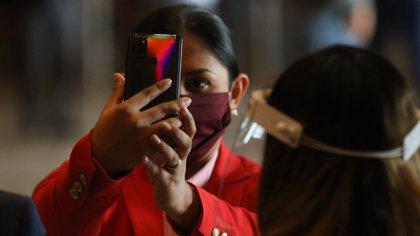Se tendrá un celular diferente al de uso común para evitar que los diputados sean interrumpidos por llamadas o mensajes mientras votan (Foto: Moisés Pablo/ Cuartoscuro)