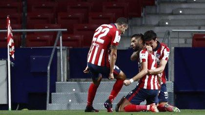 Atlético de Madrid va en búsqueda de un triunfo que le permita comenzar a encaminar el título: hora, TV y formaciones