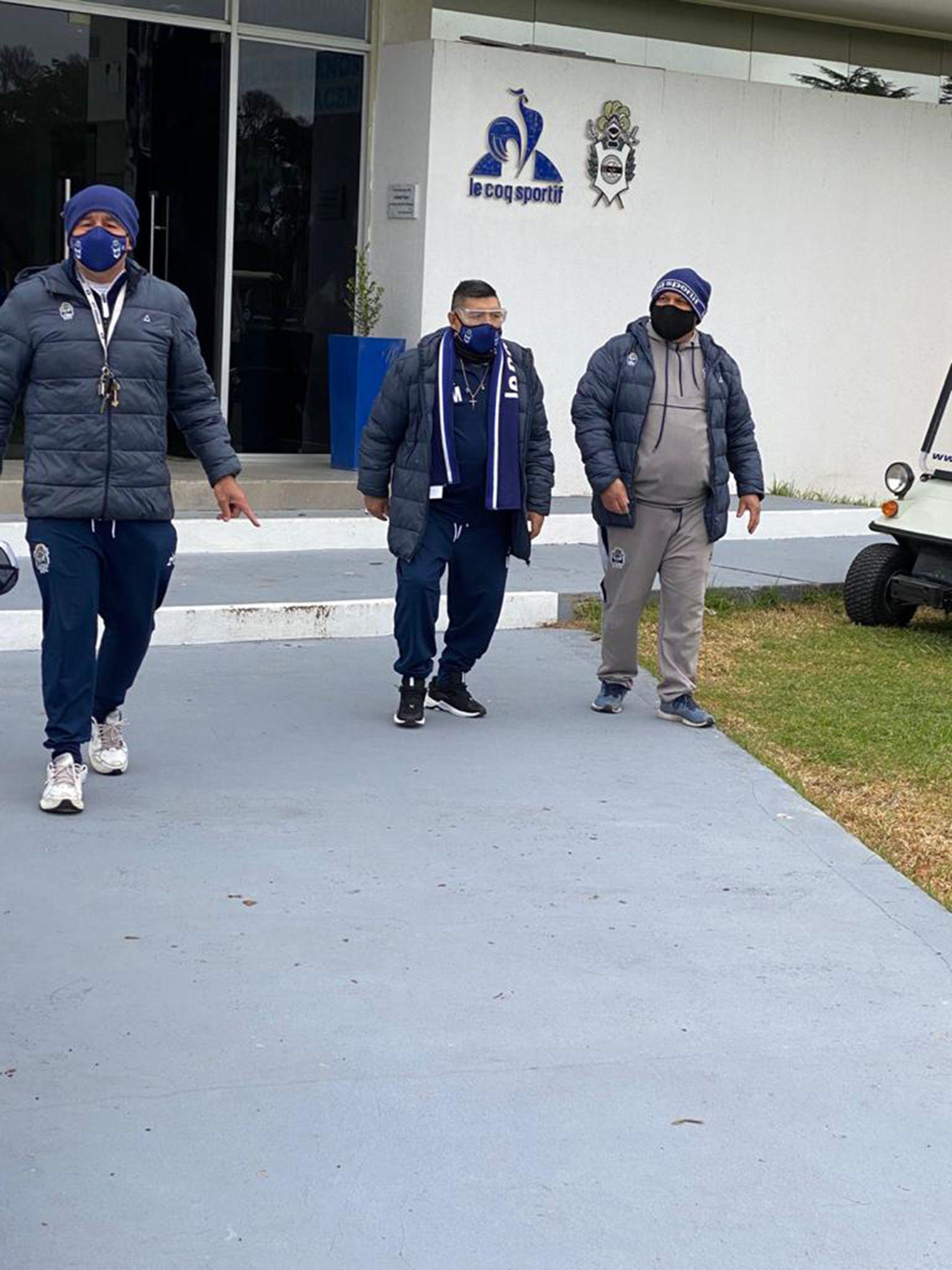 Diego Armando Maradona practica gimnasia