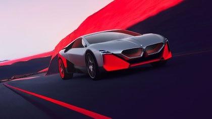 Concept Vision M Next: es el imponente prototipo que toma inspiración a nivel estético tanto del BMW Turbo como del BMW i8. Se trata de un híbrido enchufable que combina un motor eléctrico con uno cuatro cilindros turbo, para conseguir una potencia total de 600 CV. Además, fue pensado con tracción total. Anuncia una aceleración de 0 a 100 km/h en 3 segundos y una velocidad máxima de 300 km/h.
