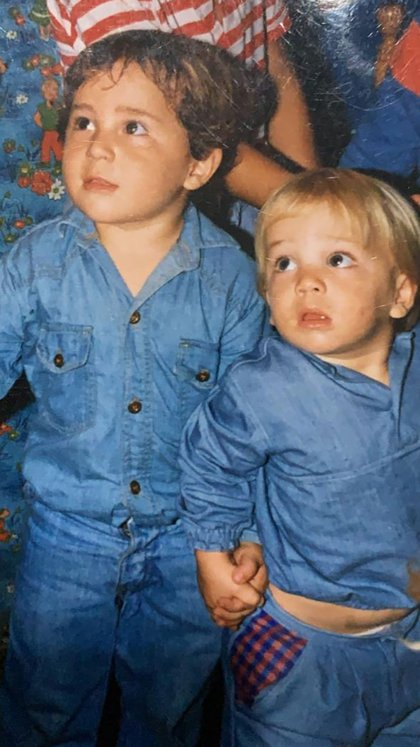 Los hermanos Nicolás y Juan Ignacio Giorgetti en su infancia