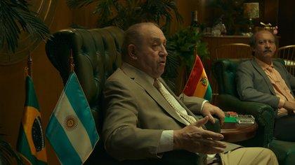 Así luce Julio Humberto Grondona interpretado por Luis Margani
