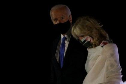 Joe Biden y su esposa Jill Biden (REUTERS/Leah Millis)