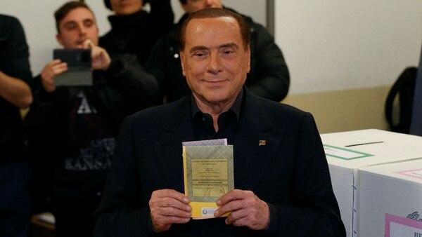 Silvio Berlusconi perdió el liderazgo en la coalición de derecha (Reuters)