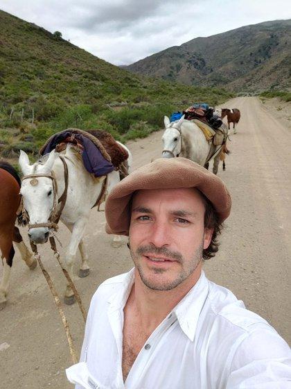 A Marcos le fascina la posibilidad de aventurarse con sus caballos a lugares que de otra forma no podría acceder