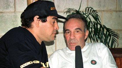 Diego Maradona y Alfredo Cahe AC/RCS/MMR