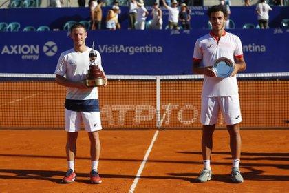 El Peque venció en dos sets a Francisco Cerundolo (Reuters)