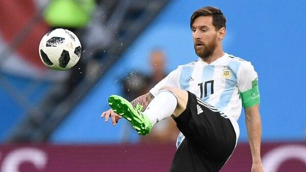 Messi abrió la cuenta en San Petersburgo (AFP PHOTO / GABRIEL BOUY)