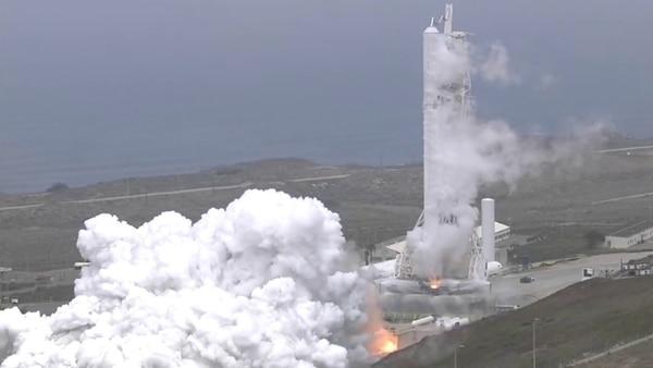 """Resultado de imagen para Exitosa prueba de """"fuego estático� en el cohete de SpaceX que pondrá en órbita el nuevo satélite argentino"""