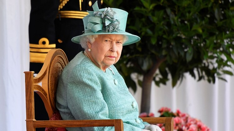 La Reina Isabel de Inglaterra, en un acto de celebración oficial por sus 94 años (Foto: AFP)