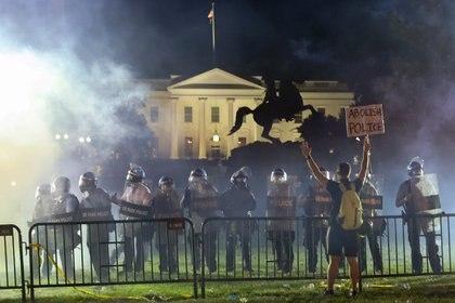 Disturbios cerca de la Casa Blanca (Reuters/ Jonathan Ernst)