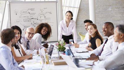 Las mujeres tienen la capacidad de pensar en varias dimensiones un claro pensamiento holístico que da mucha asertividad, efectividad y velocidad(iStock)